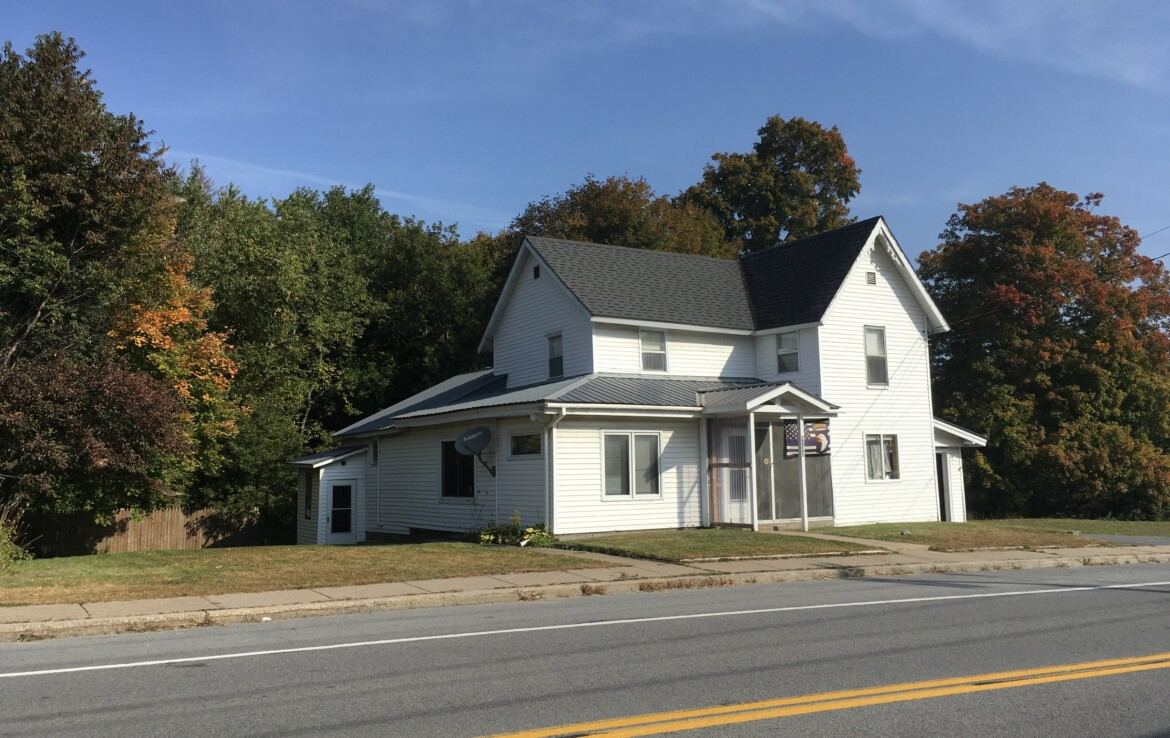 3 Bedroom Home In The Village of Star Lake NY